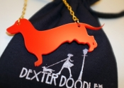 dachshund-gold-necklace-red-2